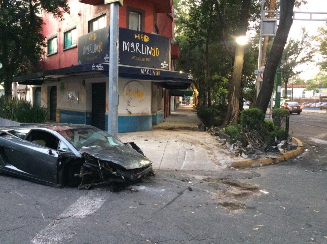 Se estima que el valor del automóvil ronda entre cuatro y cinco millones de pesos, 17 agosto 2019