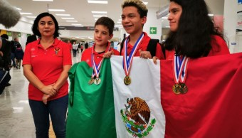 Foto: Llegaron a México tres de los ocho niños que participaron en la Olimpiada de Matemáticas en Sudáfrica, 9 agosto 2019