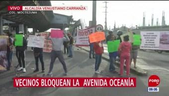 Manifestantes bloquean avenida Oceanía, en la CDMX