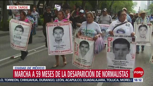 FOTO: Manifestantes Exigen Justicia Por Caso Ayotzinapa