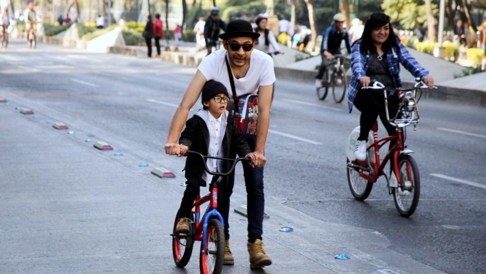 Foto: Personas en bicicleta, 7 de enero de 2018, Ciudad de México
