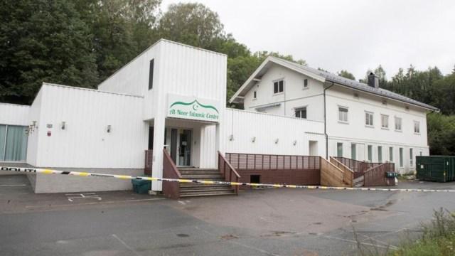 Foto: Durante el tiroteo hubo varios disparos y se encontraron dos armas en la mezquita, 11 de agosto de 2019 (EFE)