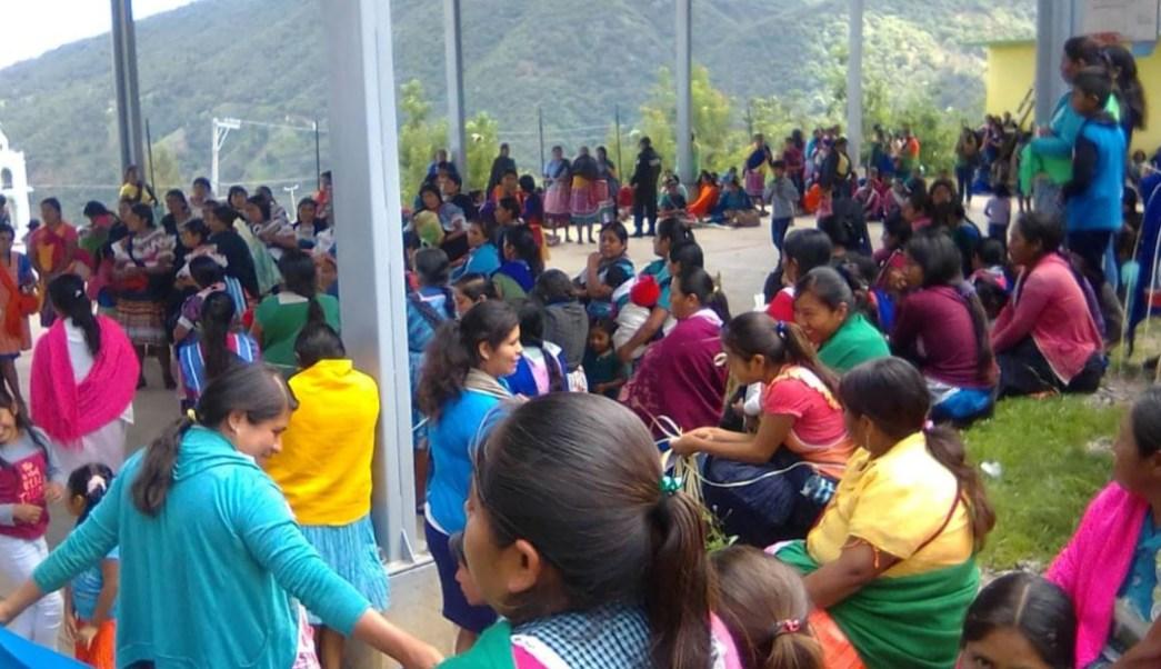 Foto: Pobladores de Alcozacán, en la montaña de Guerrero, 8 agosto 2019