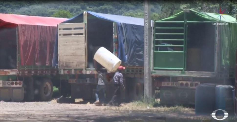 Foto Persiste la venta ilegal de gasolina en carreteras Chiapas 16 agosto 2019