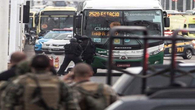 Foto Policía abate a secuestrador y libera a rehenes en Brasil 20 agosto 2019