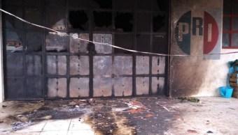 Foto: Un grupo de aproximadamente 30 personas incendió las oficinas del PRI en Chamula, Chiapas, 22 agosto 2019