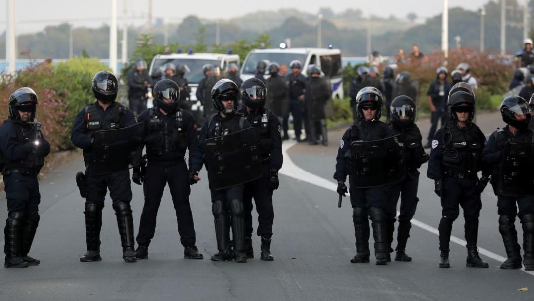 Foto: En los alrededores donde se realiza la cumbre del G7 se mantiene un cerco policial, el 24 de agosto de 2019 (Reuters)