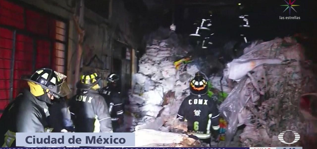 Se registra incendio en bodega en Pedregal de San Nicolás