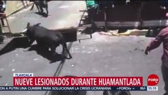 Toros embisten a dos hombres durante fiesta en Huamantla, Tlaxcala