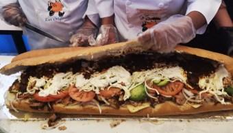 Con 72 metros de longitud, torta gigante rompe nuevo record