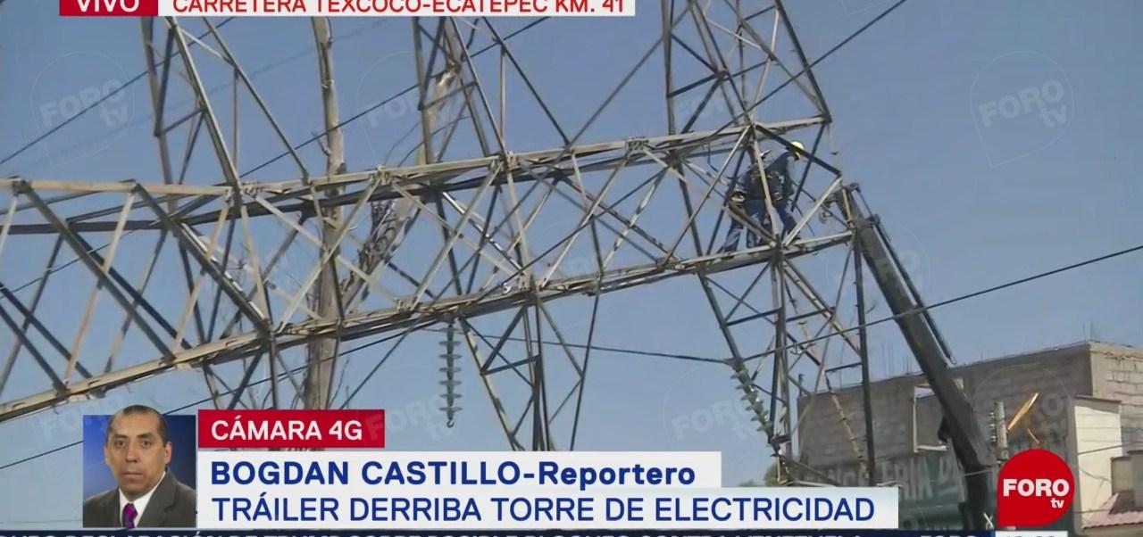 FOTO: Tráiler derriba torre de electricidad en la Texcoco-Ecatepec, 3 AGOSTO 2019