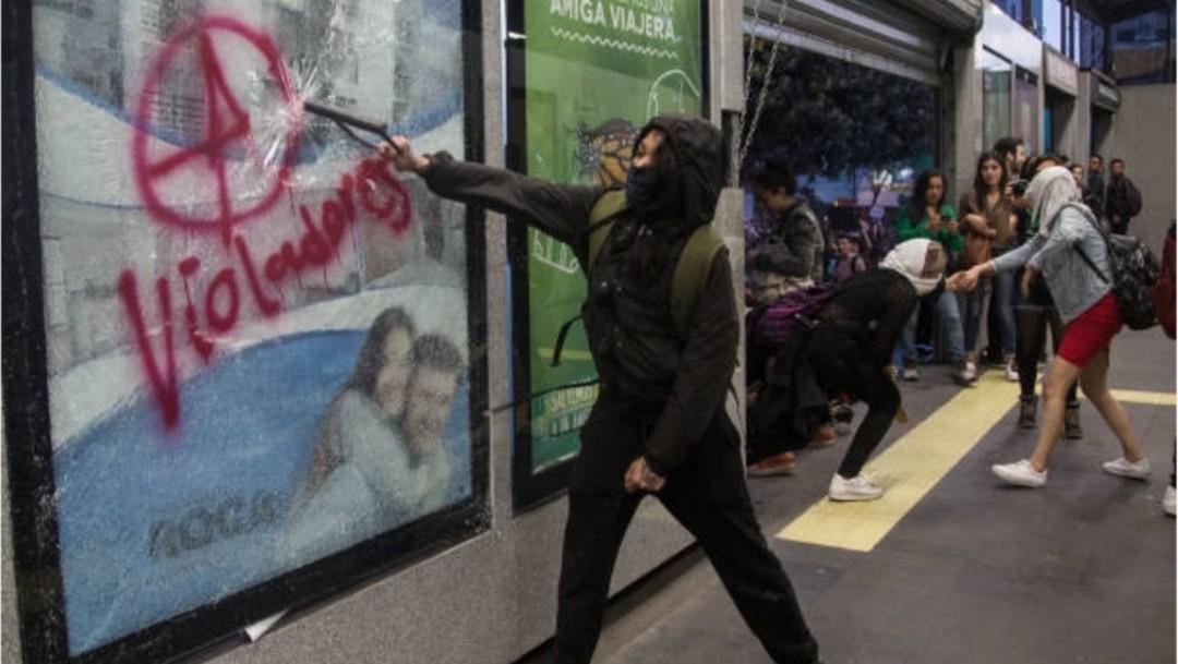 Videos: Pintas y disturbios durante manifestaciones de mujeres en CDMX