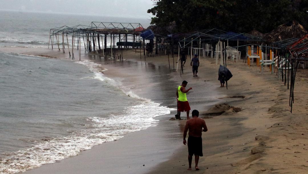 huracan lorena acapulco guerrero