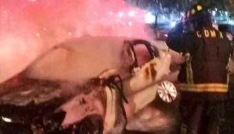 Foto: El auto golpeó otros vehículos y se incendió, 22 de septiembre de 2019 (Twitter @SUUMA_CDMX)