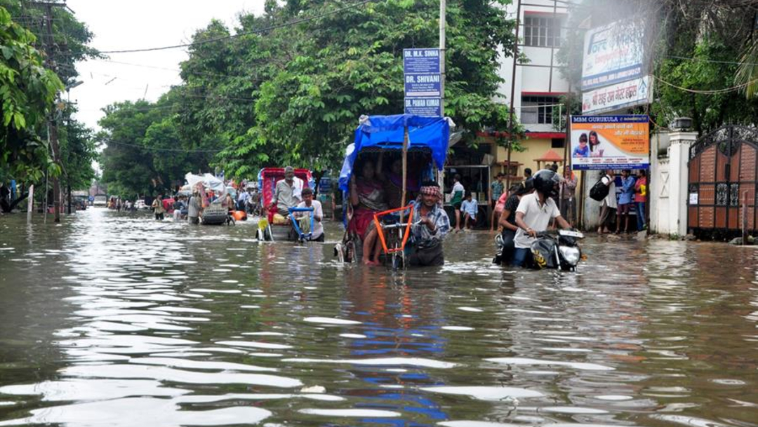 """Foto: Según los últimos datos del Departamento de Gestión de Desastres del Ministerio del Interior indio, """"más de 48.000 personas han sido evacuadas"""", 30 de septiembre de 2019 (EFE)"""