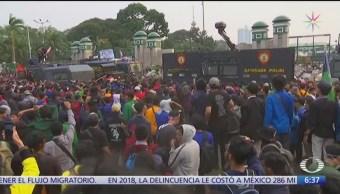 Al menos 30 muertos durante protestas en Indonesia