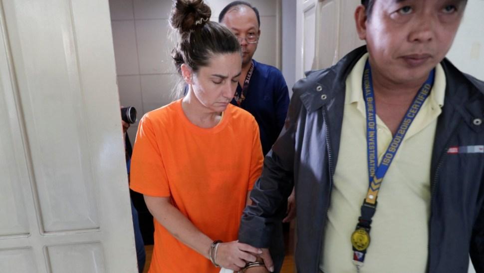 Foto: Arrestan a mujer por intentar viajar con bebé, 5 de septiembre de 2019, Manila
