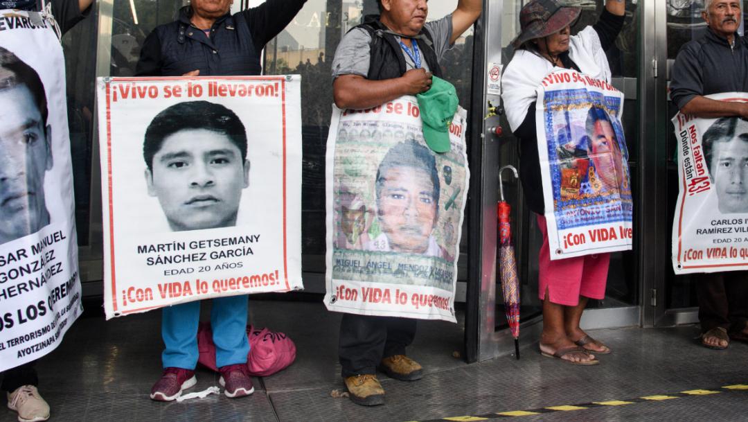 FOTO Ofrecen recompensa de 1.5 mdp para encontrar a normalistas de Ayotzinapa (Mario Jasso/Cuartoscuro)