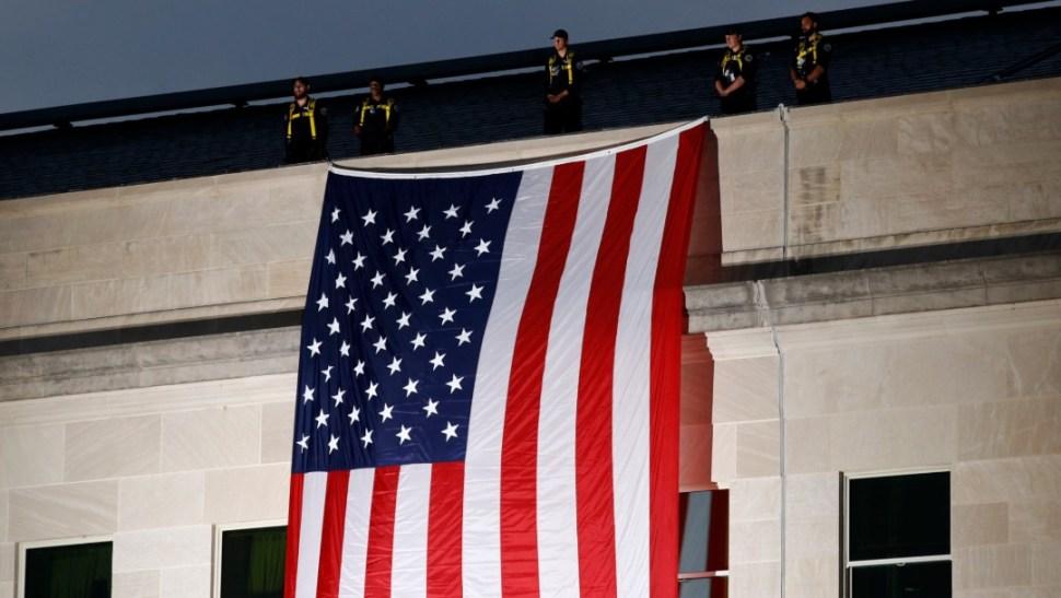 Foto: Bandera de EU en el Pentágono, 11 de septiembre de 2019, Nueva York