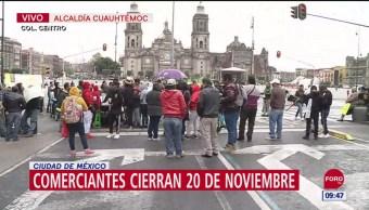 FOTO: Comerciantes cierran vialidad 20 Noviembre