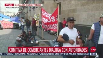 Comitiva de comerciantes dialoga con autoridades en Palacio Nacional