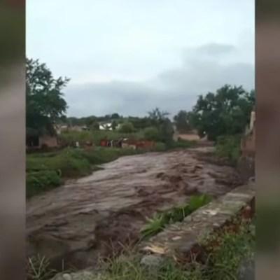Desborda río Salsipuedes en San Gabriel, Jalisco, otra vez