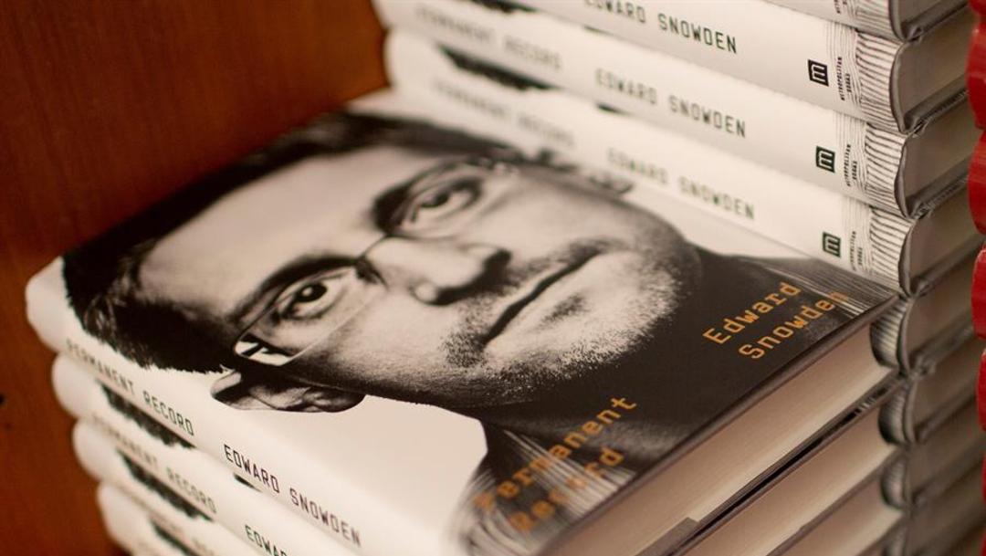 Foto: Las memorias de Snowden son un recorrido por su vida y no incluyen nuevas revelaciones respecto a las que ya publicó en 2013, 17 de septiembre de 2019 (EFE)