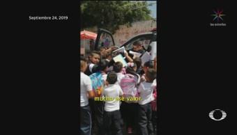 Foto: Estudiantes Autógrafos Policía Colonia Más Violentas Guanajuato 27 Septiembre 2019