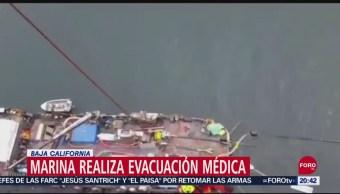 FOTO: Evacuan a persona que viajaba a bordo de buque pesquero en Baja California, 14 septiembre 2019