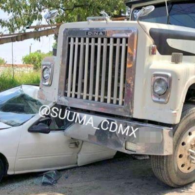 Camión de carga aplasta a familia en Álvaro Obregón, CDMX
