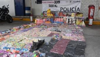 Foto: Policías decomisan 500 kg de pirotecnia en mercados de la alcaldía Venustiano Carranza, Ciudad de México. Cuartoscuro