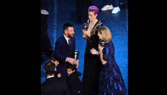 Foto: Lionel Messi y Megan Rapinoe ganan el premio The Best. Reuters