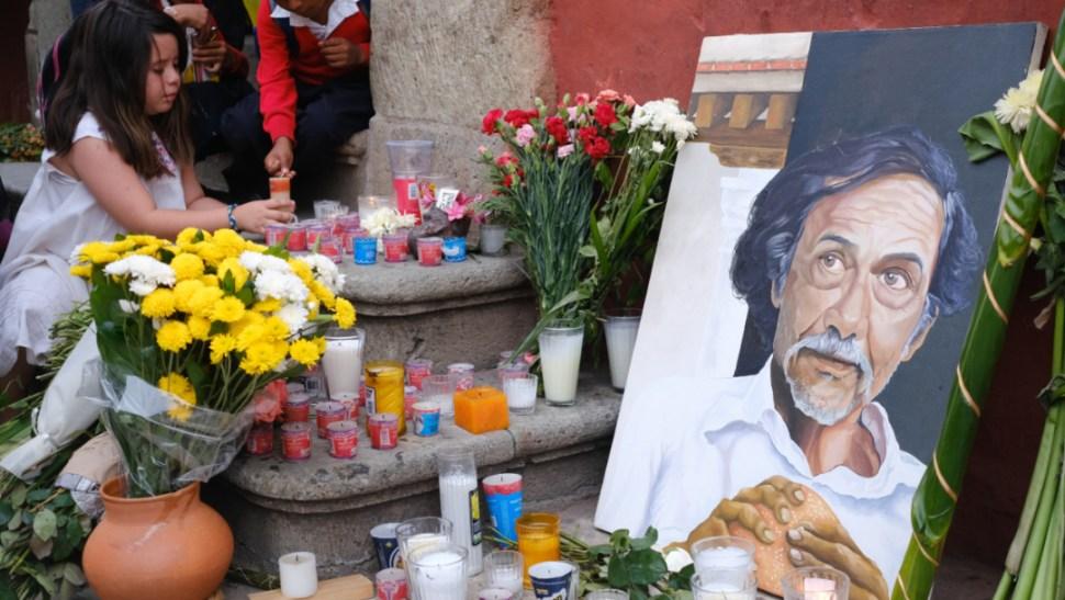 Foto: Ofrenda en el patio central del Instituto de Artes Gráficas de Oaxaca en honor al artista plástico Francisco Toledo, 7 septiembre 2019