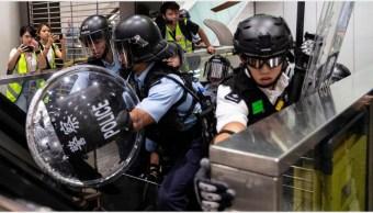 Foto: La policía de Hong Kong enfrentó a manifestantes en ecentro comercial, 22 de septiembre de 2019 (EFE)