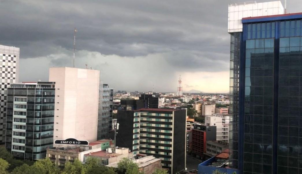 Foto 'Hongo de lluvia', sobre oriente de la CDMX se vuelve viral 12 septiembre 2019