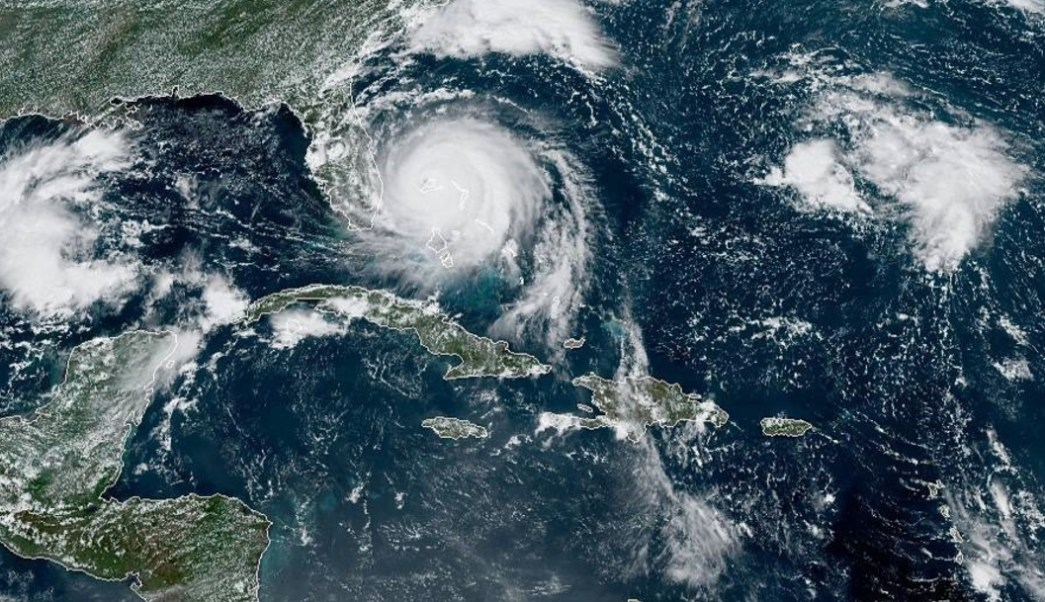 """FOTO Muere niño ahogado al paso del huracán """"Dorian"""" en Bahamas (EFE)"""