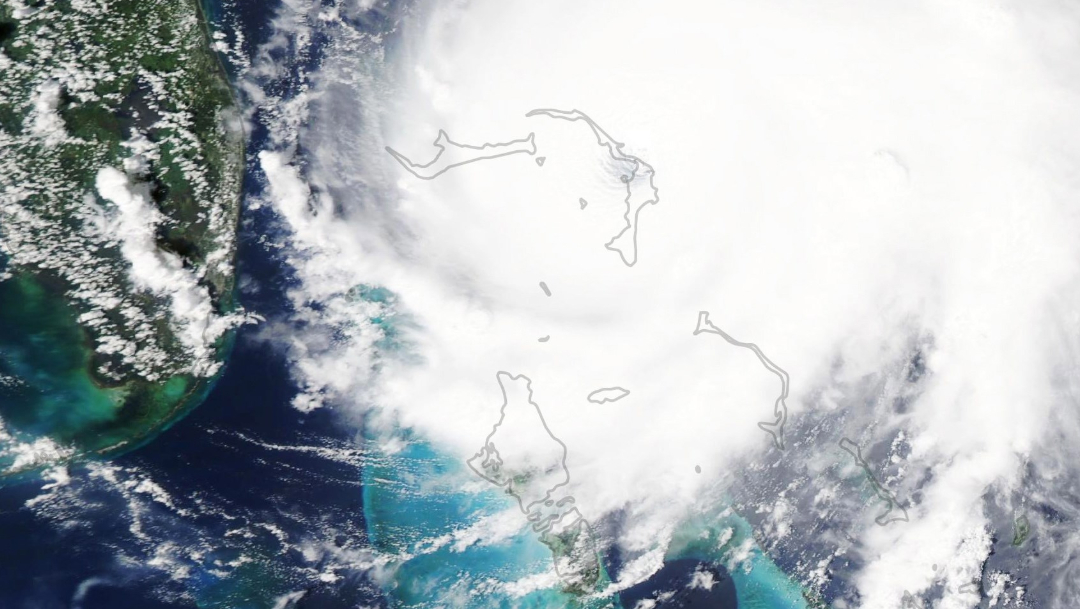 "IMAGEN Huracán ""Dorian"" pierde fuerza, pero sigue sobre Bahamas (EFE)"