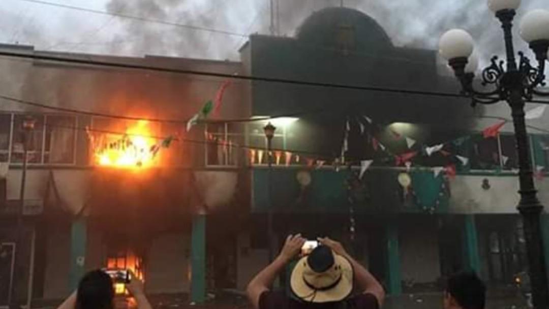Foto: Incendian Palacio Municipal de Escuintla, 10 de septiembre de 2019, Chiapas, México