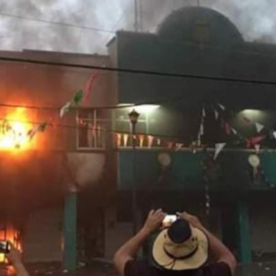 Incendian el Palacio Municipal de Escuintla, en Chiapas