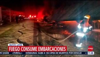 Incendio consume embarcaciones en Santiago, Nuevo León