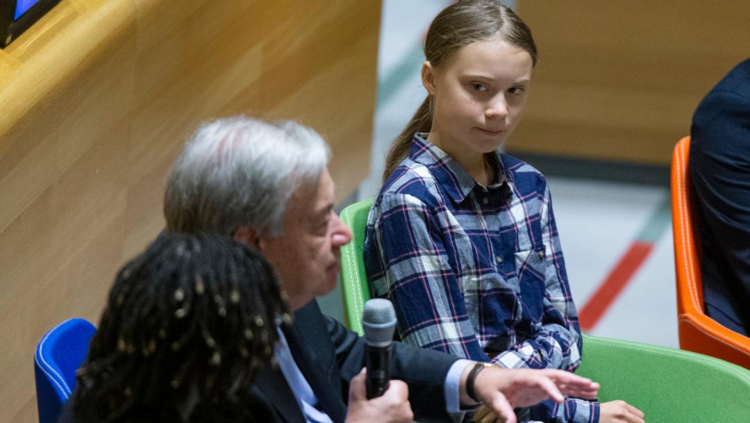 Foto: La activista de 16 años y Guterres abrieron este sábado la Cumbre Juvenil sobre el Clima de la ONU, que -pensada para jóvenes líderes interesados en el impulso de la acción climática-, 21 de septiembre de 2019 (AP)