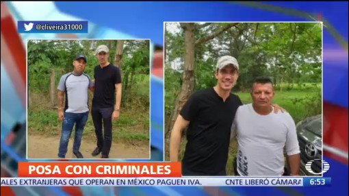 Juan Guaidó se toma fotos con presunto grupo paramilitar