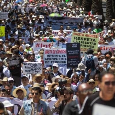 Opositores de AMLO critican en marcha resultados de Informe de Gobierno