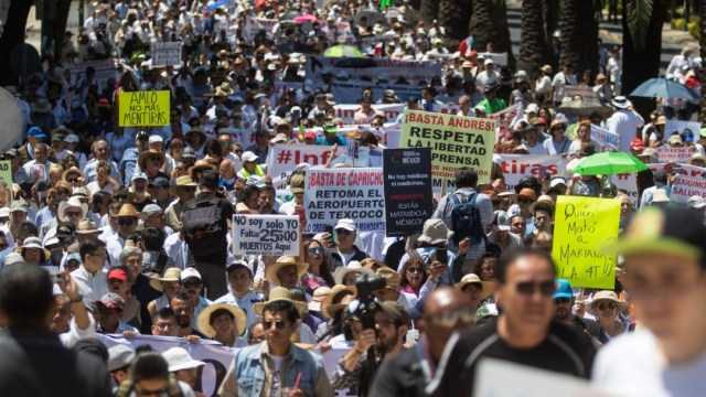 Foto: Alrededor de dos mil personas marcharon del Ángel de la Independencia al Monumento a la Revolución, en contra del gobierno de Andrés Manuel López Obrador, el 1 de septiembre de 2019 (Isaac Esquivel /Cuartoscuro.com)