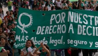 FOTO Oaxaca decide sobre aborto, manifestantes se concentran en Congreso; en la imegen, marcha en la CDMX (AP archivo)