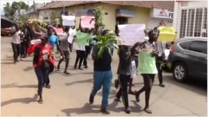 Foto: Se manifiestan migrantes africanos en Tapachula, 21 de septiembre de 2019 (Foro TV)