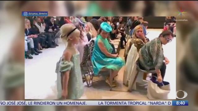 FOTO: Niña con dos piernas artificiales modela París,