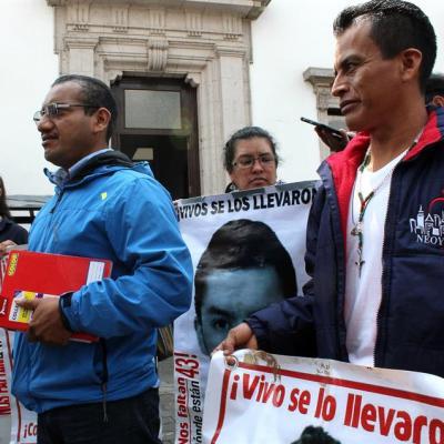 Padres del caso Ayotzinapa exigirán a AMLO acelerar investigación