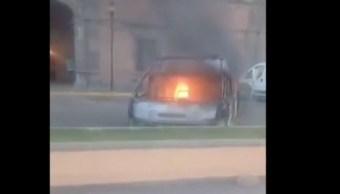 Queman vehículos para exigir liberación de detenidos en Ixmiquilpan, Hidalgo