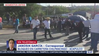 Repliegan con gas lacrimógeno a manifestantes que bloquearon carretera a Acapulco